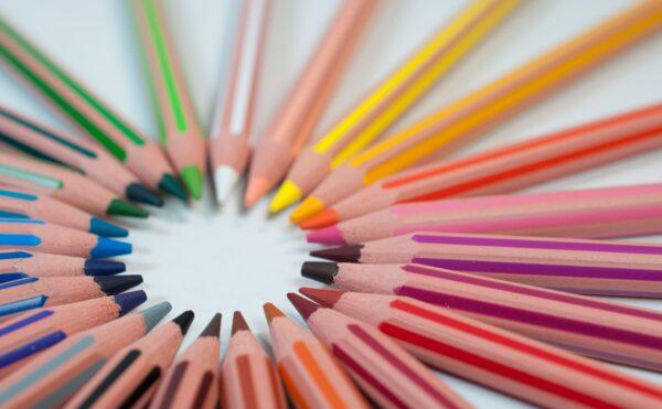 創出する色鉛筆